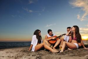 Der Urlaub am Strand im Sommer