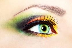 grüne-kontaktlinse